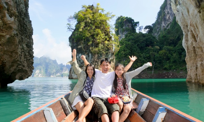 10 Tips for Parents with Teens Traveling Abroad