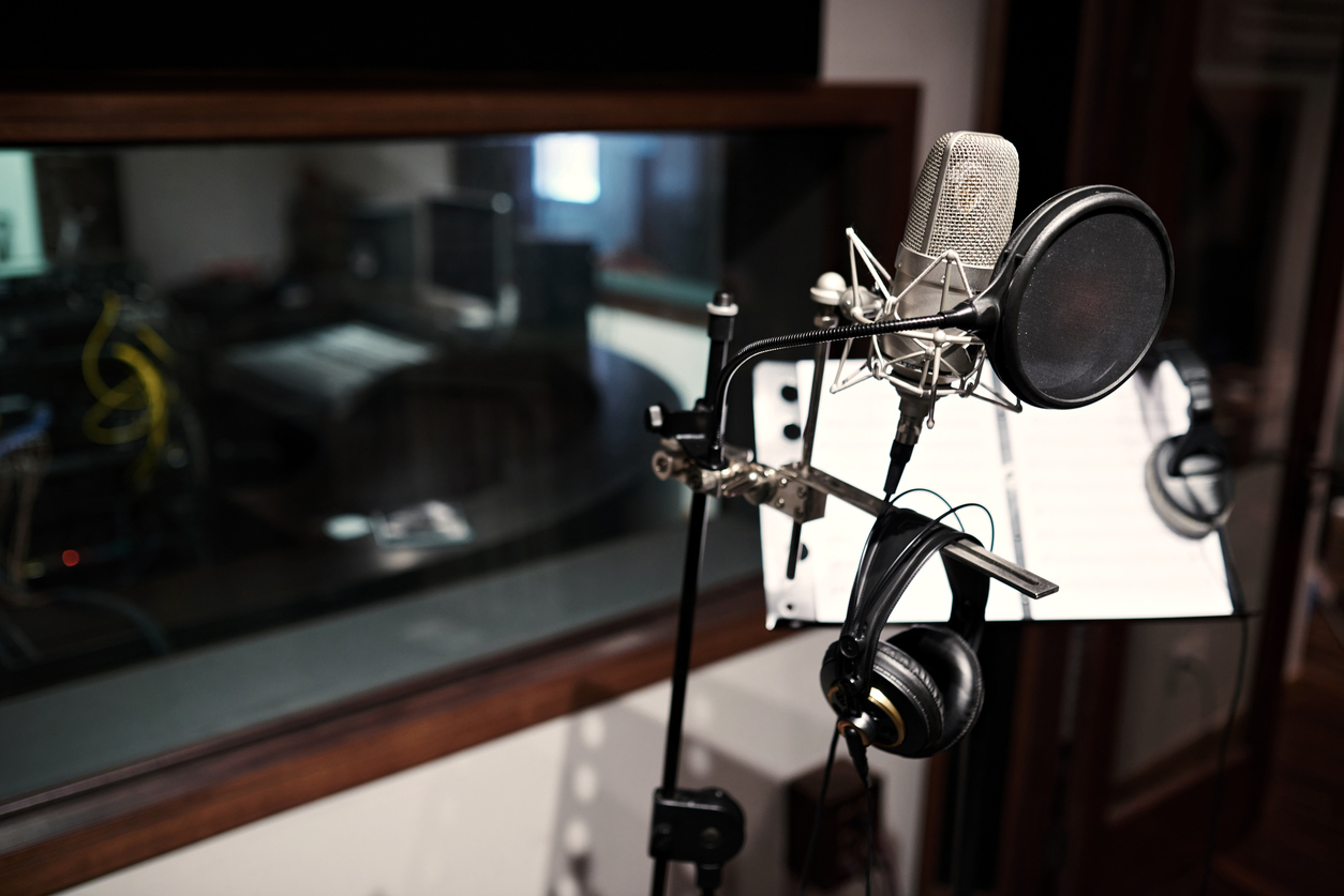 How Actors Can Find Their Roles in Voiceover