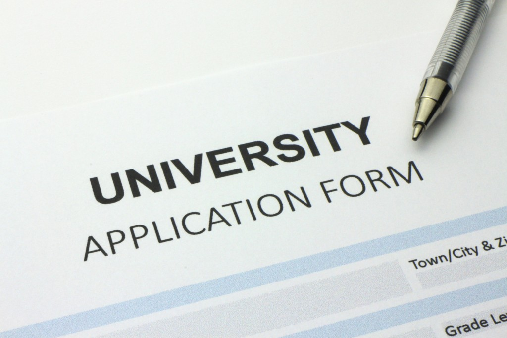 To Avoid The College Application Frenzy