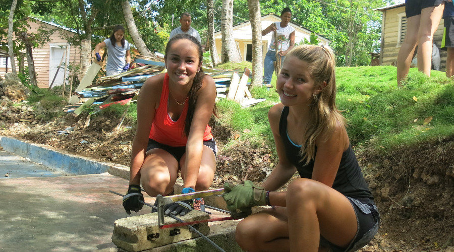 Summer Program - Promoting Volunteerism | ARCC Programs | Costa Rica: Classic Service Adventure