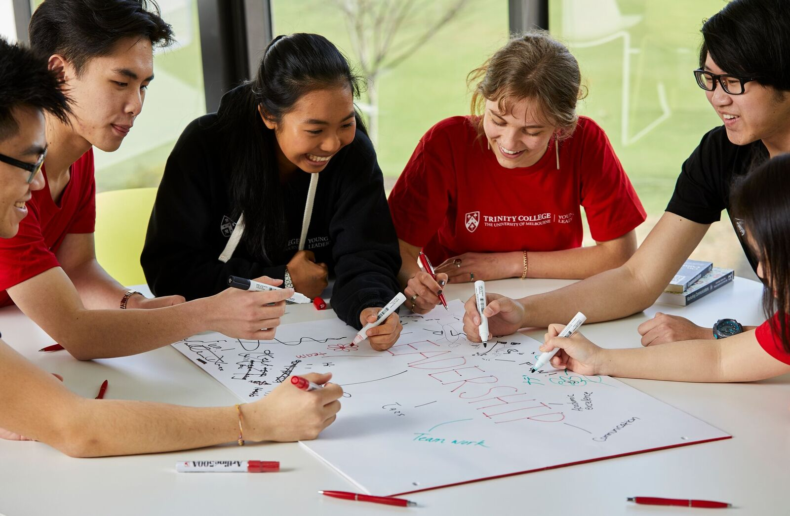 Summer Program - Communications | Australia's University of Melbourne Young Leaders Program