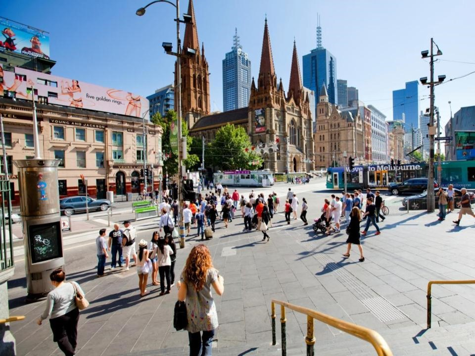 Summer Program - Pre-College | Australia's University of Melbourne Young Leaders Program