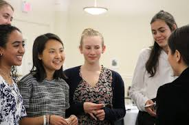Summer Program - College Experience | Barnard Pre-College Summer Programs Online