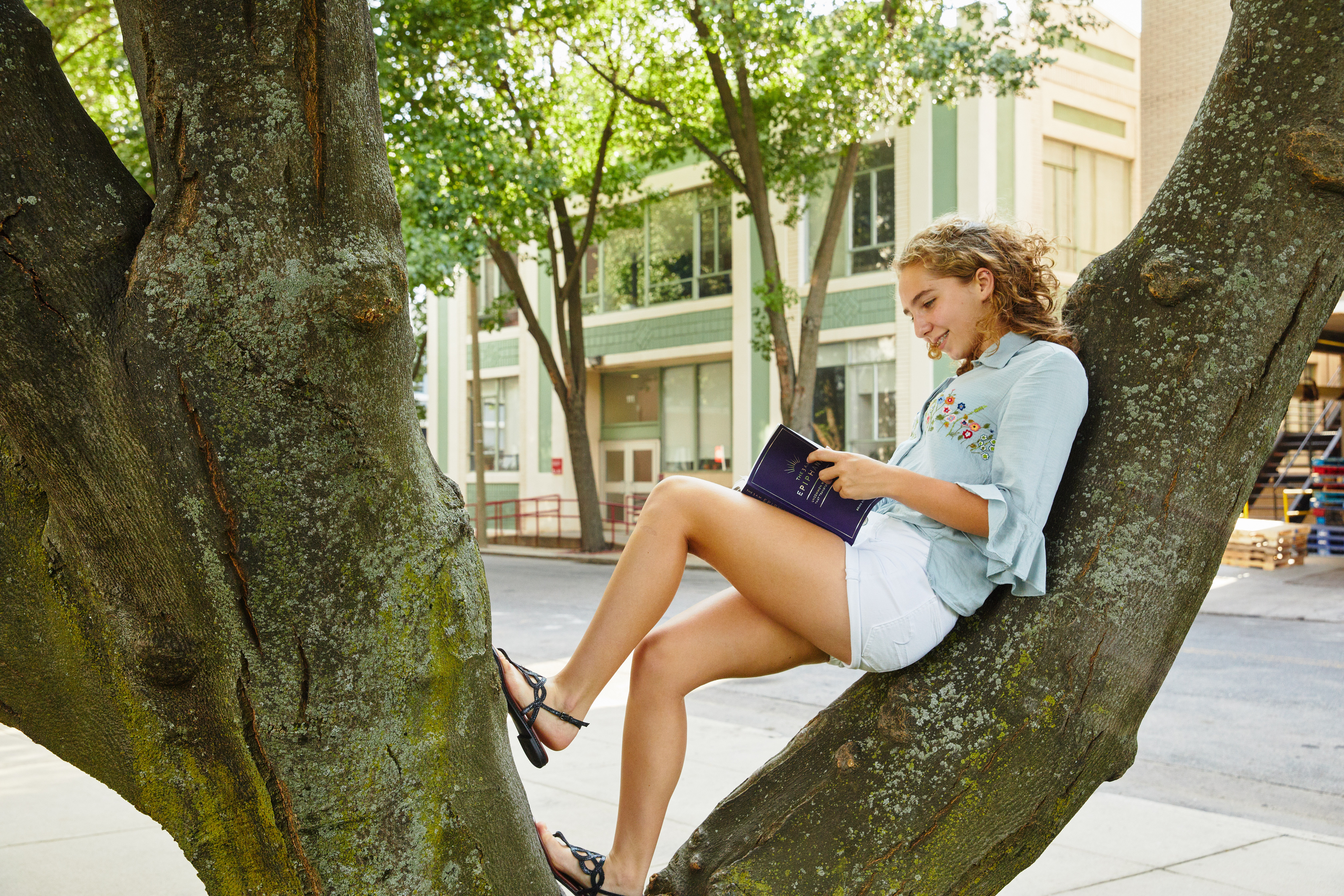 Summer Program - College Experience | Boston University: Academic Immersion (AIM)—Creative Writing
