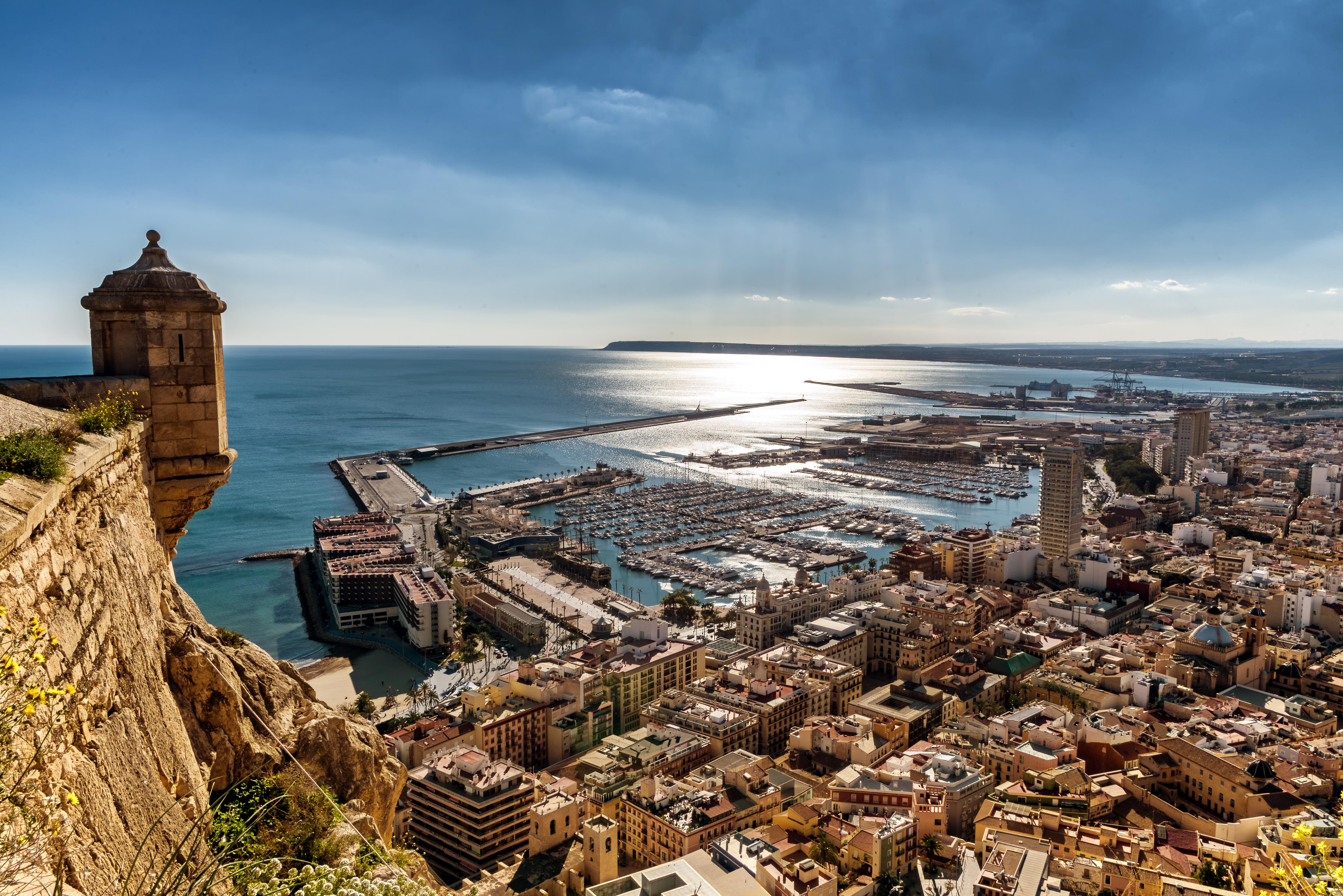 Summer Program - Spanish | CIEE High School Summer Abroad: Intensive Spanish Language & Culture in Alicante, Spain