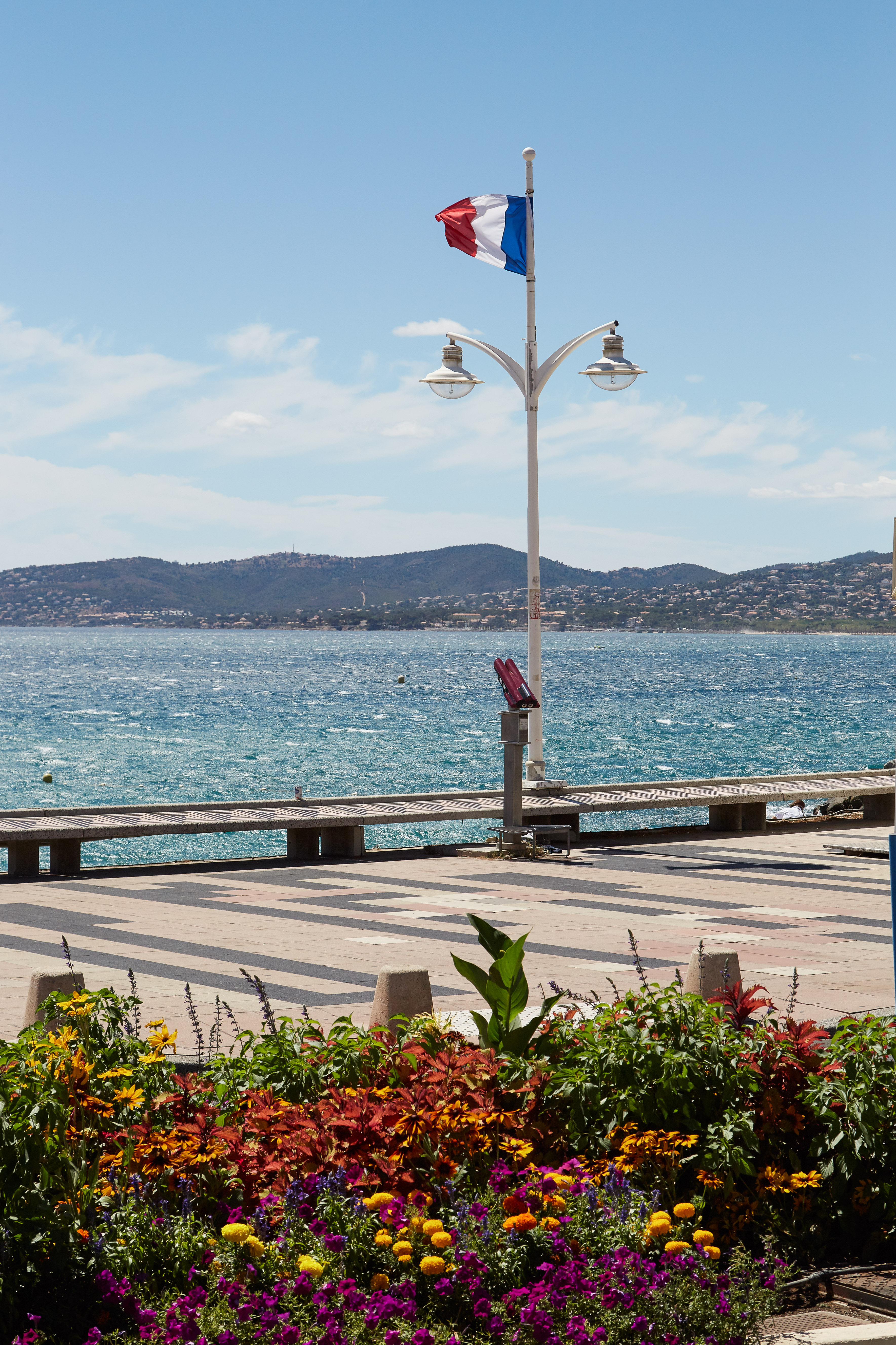 Summer Program - French | EF French Language Camp in St. Raphael, France (Age 13-15)