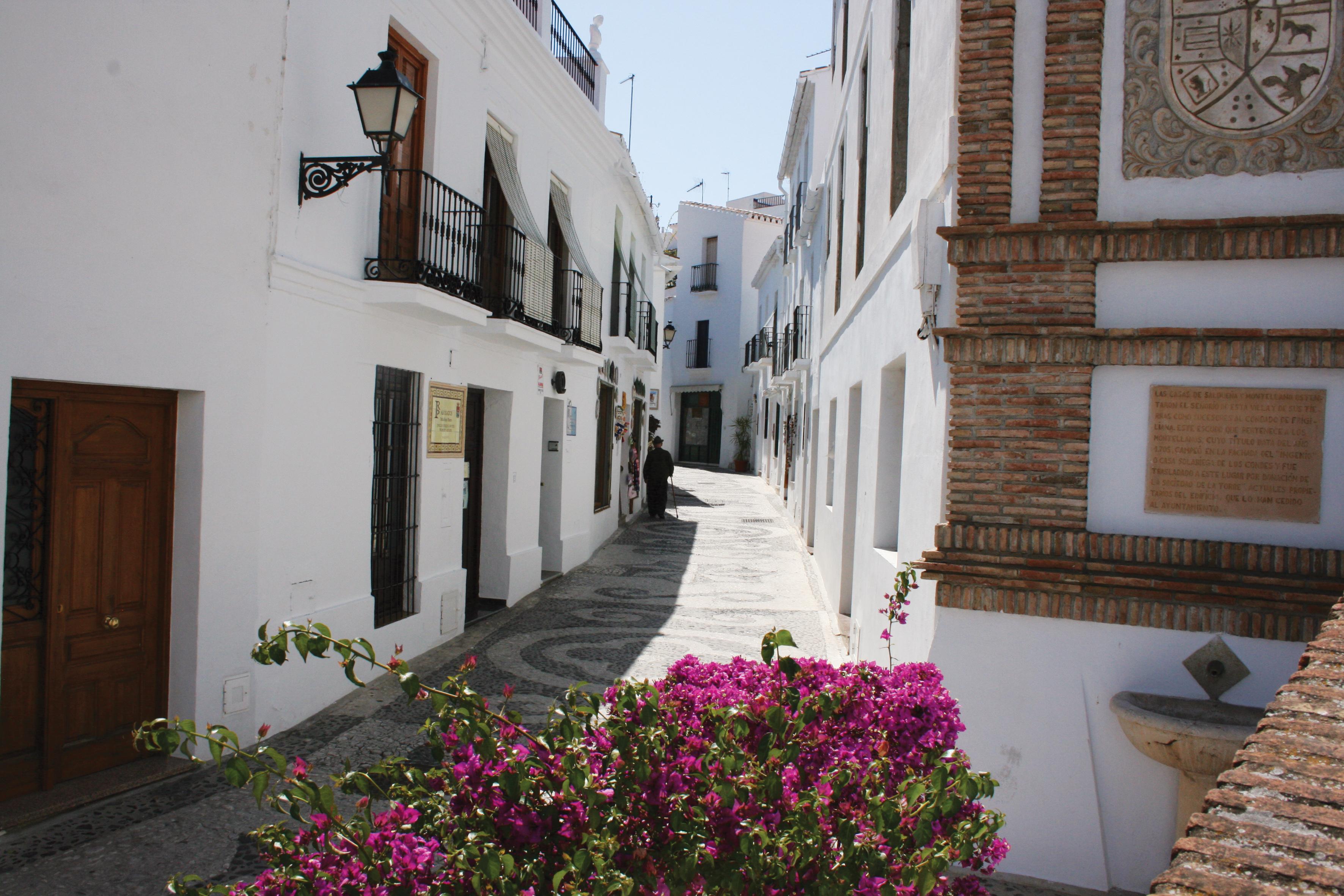 Summer Program - Spanish | EF Spanish Language Camp in Malaga, Spain (Age 13-15)