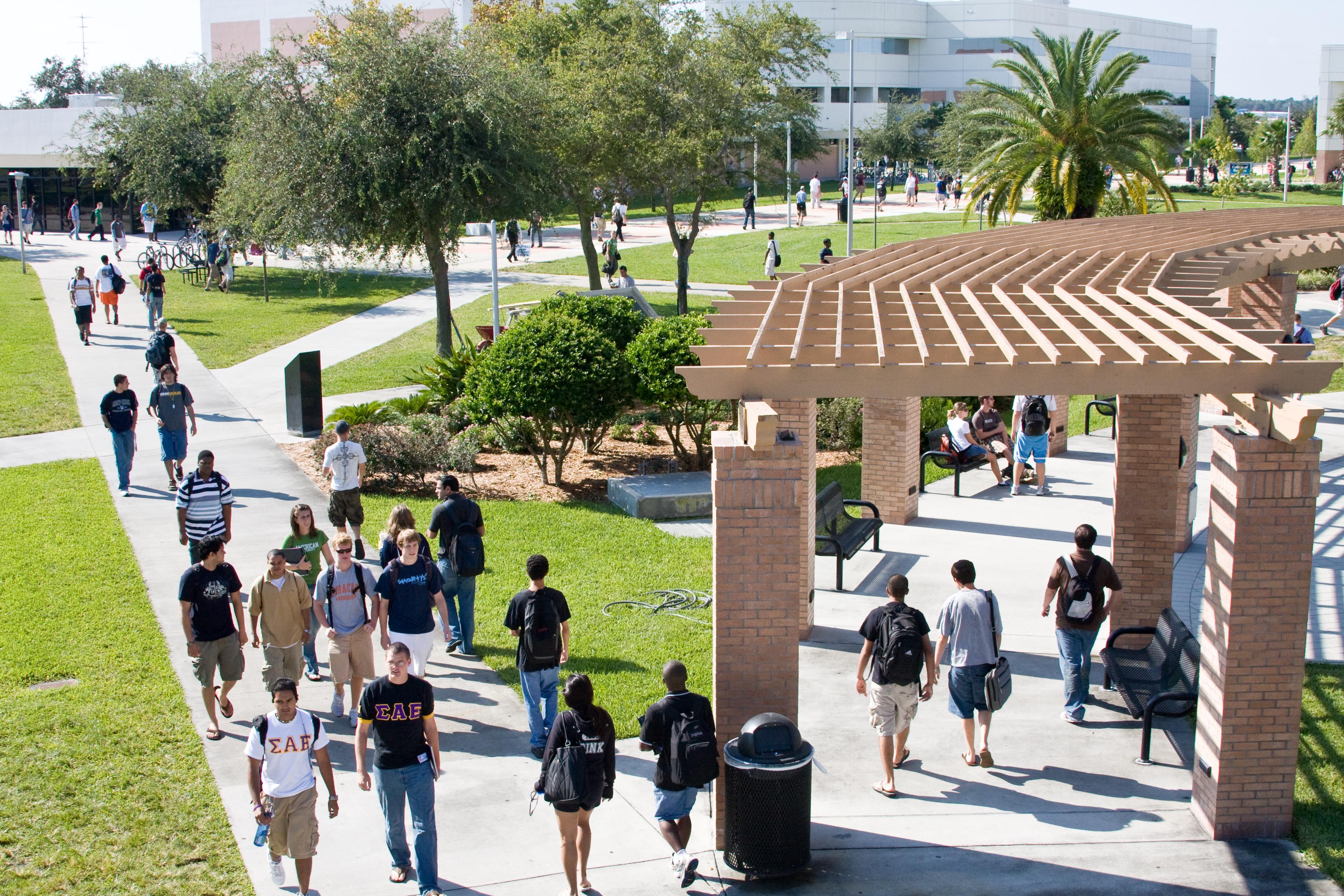 College - Embry-Riddle Aeronautical University (Daytona Beach, Florida)  3