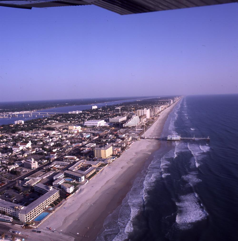 College - Embry-Riddle Aeronautical University (Daytona Beach, Florida)  1