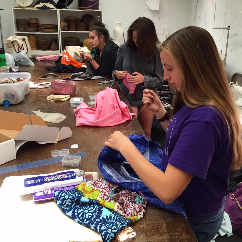Summer Program - Pre-College | Teen Fashion Clinics - School of Fashion Design