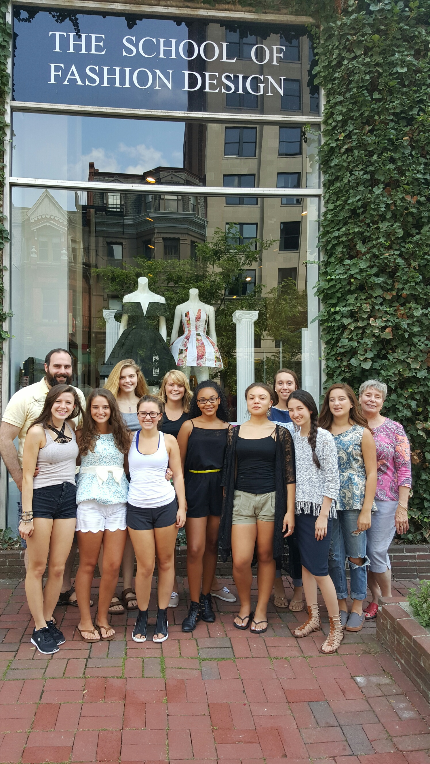 Summer Program - Visual Arts | Teen Fashion Clinics - School of Fashion Design