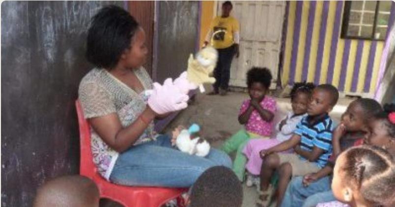 Summer Program - International Relief   Kaya Responsible Travel: Under 18 Volunteer Abroad