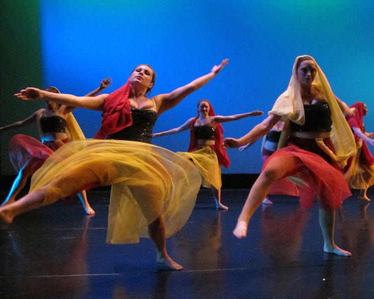 College - Le Moyne College - Visual and Performing Arts Program  7