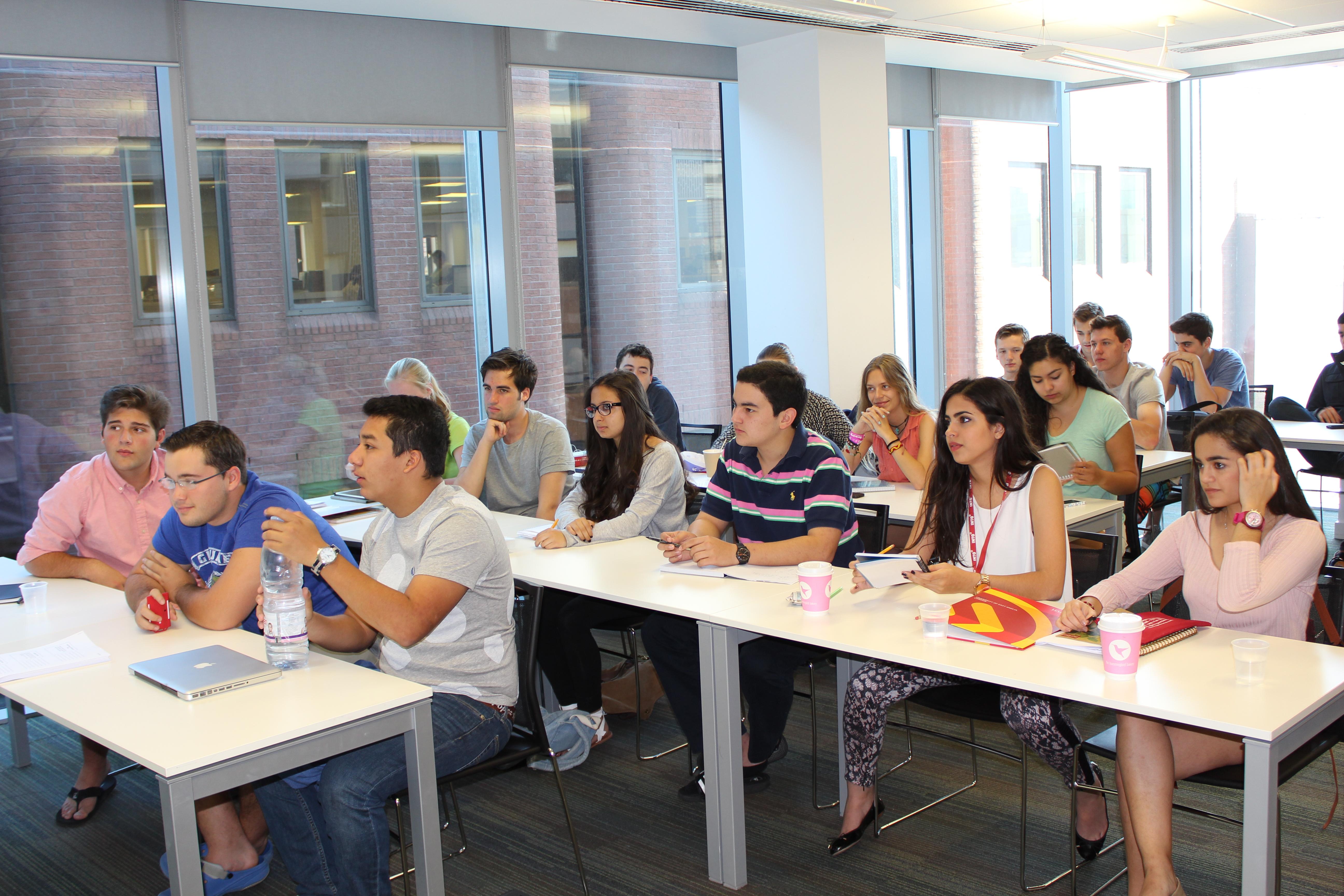 Summer Program - Entrepreneurship | Summer Discovery: City University London - International Business
