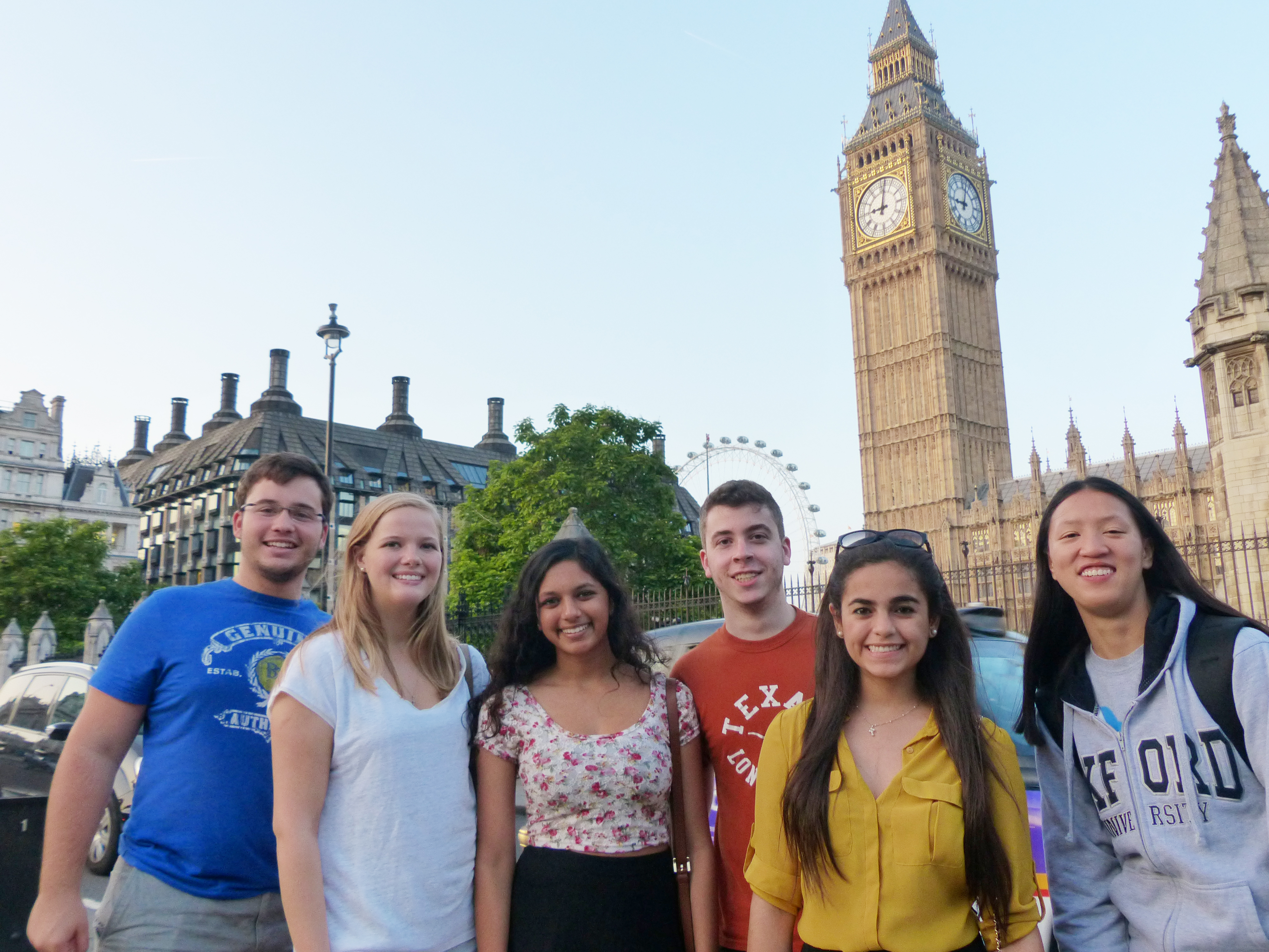 Summer Program - College Experience | Summer Discovery: City University London - International Business for Summer 2021