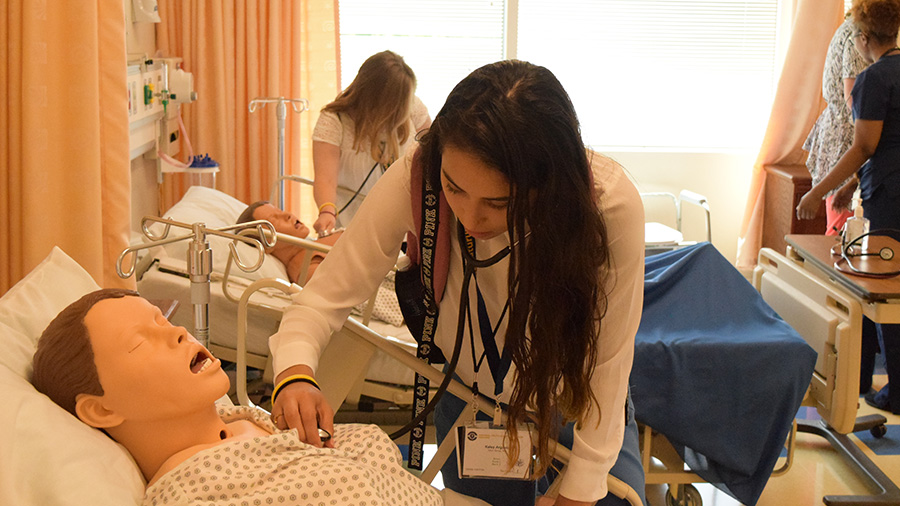 Summer Program - Pre-med | Envision - National Youth Leadership Forum: Medicine at UNC at Chapel Hill