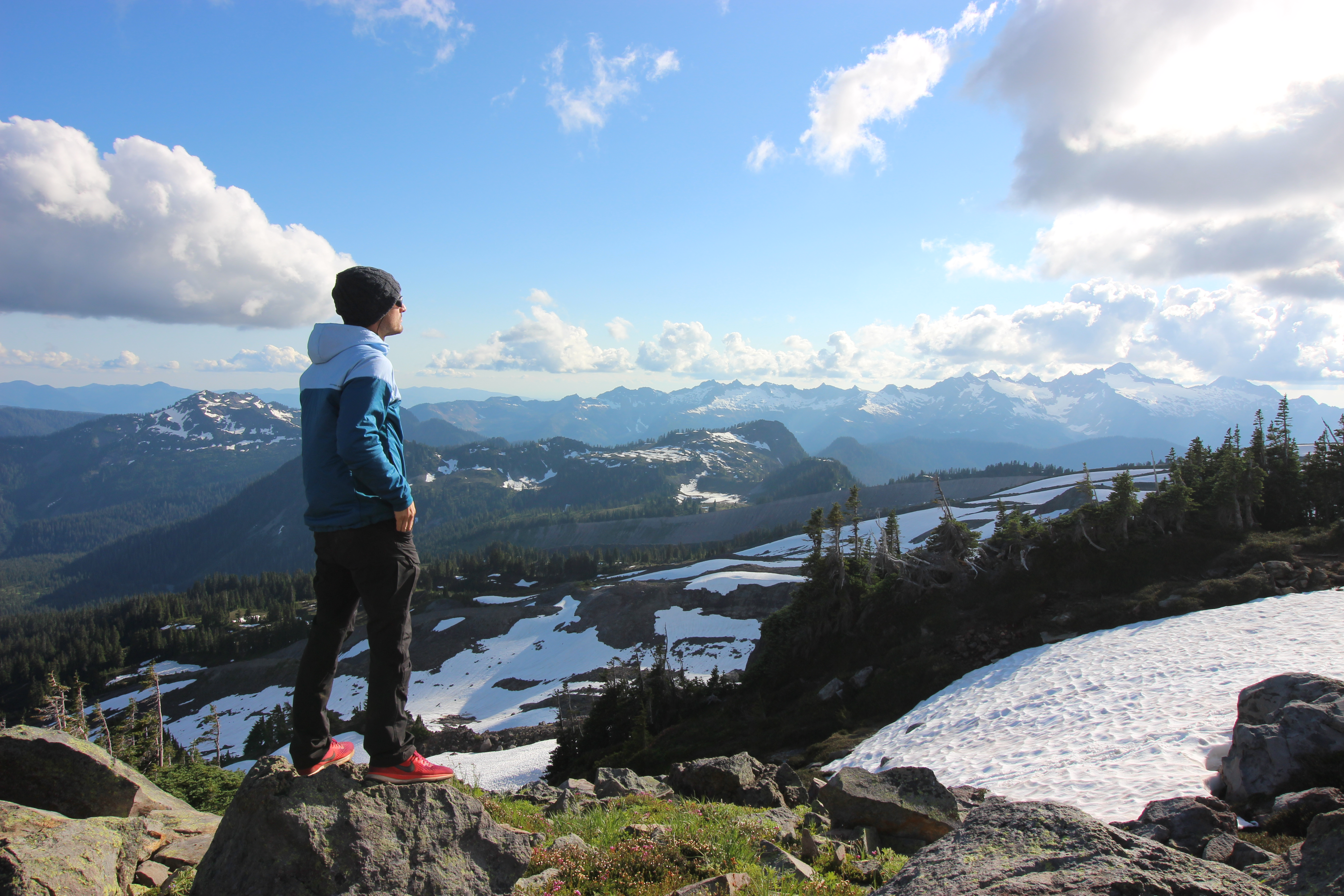Summer Program - Hiking | NOLS Pacific Northwest Mountaineering and Sailing