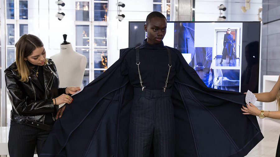 Summer Program - Art History | Parsons Paris: Virtual Pre-College Course in the Business of Fashion