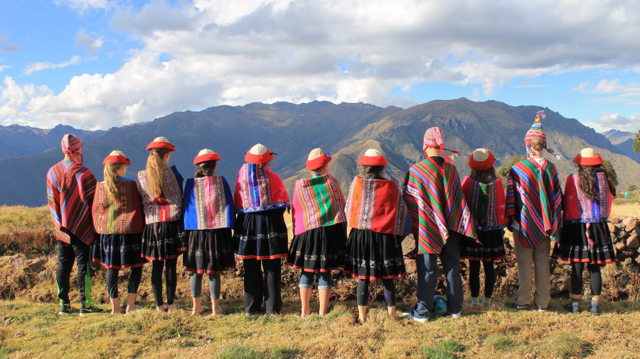Summer Program - Promoting Volunteerism | ARCC Programs | Peru: Sacred Valley Service