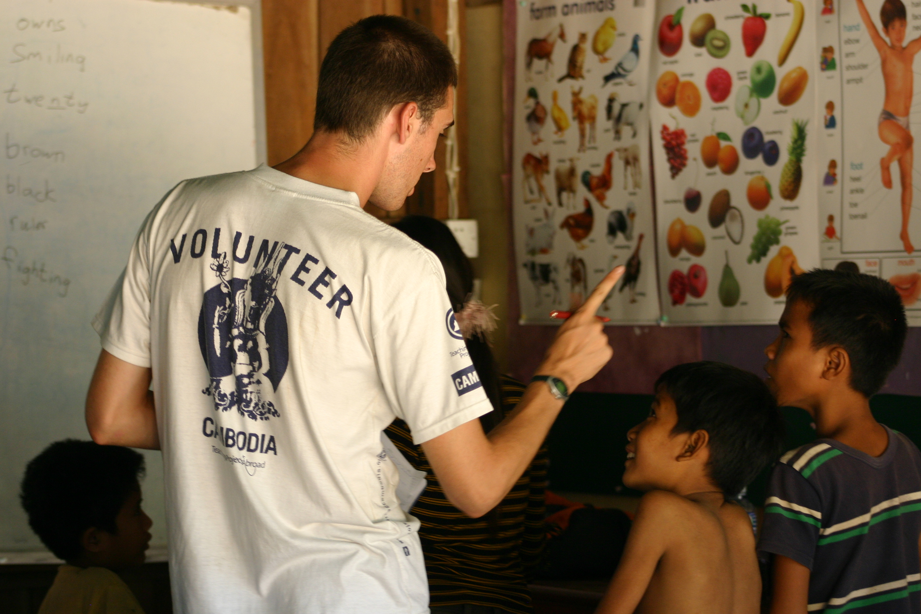 Summer Program - Literacy and Education | Projects Abroad:  Volunteering Abroad for High School Students