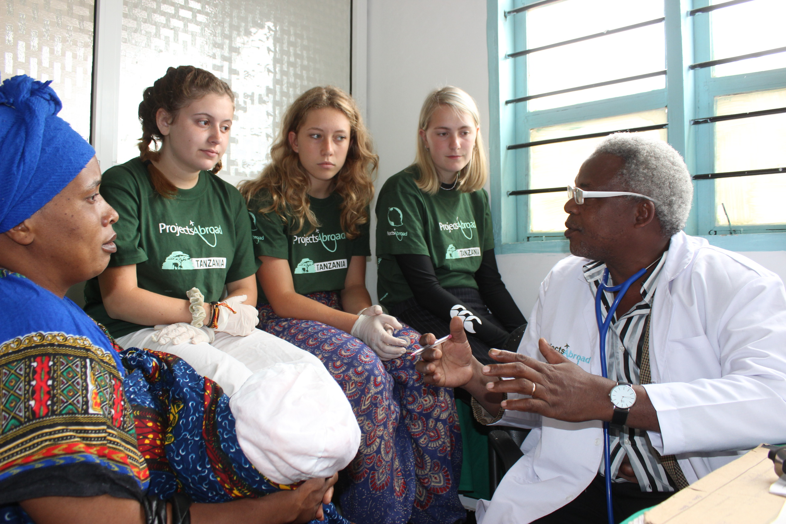 Summer Program - Health and Well Being | Projects Abroad:  Volunteering Abroad for High School Students
