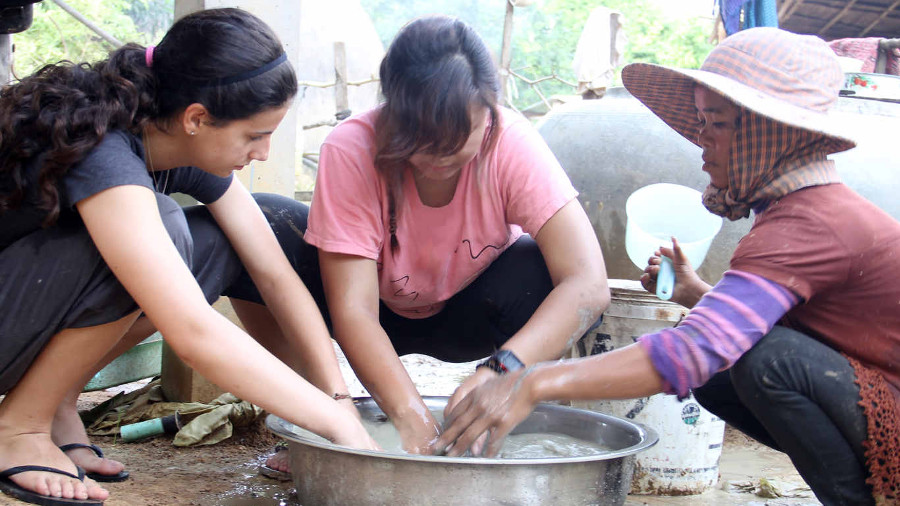 Summer Program - Animal Rights and Rescue | ARCC Programs | Southeast Asia: Grassroot Initiatives