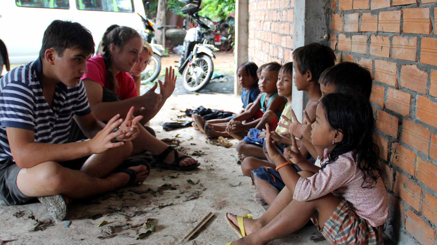 Summer Program - Promoting Volunteerism | ARCC Programs | Southeast Asia: Grassroot Initiatives