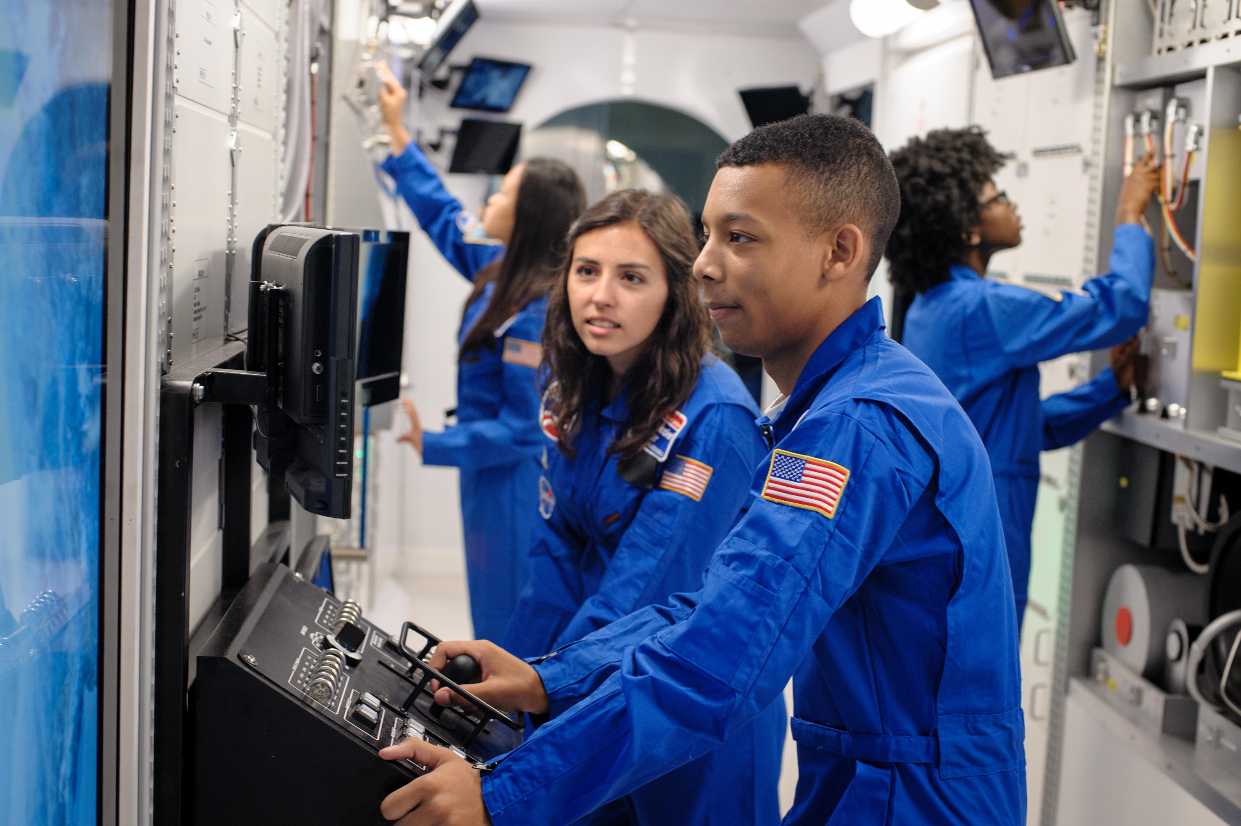 Summer Program - Science | Space Camp