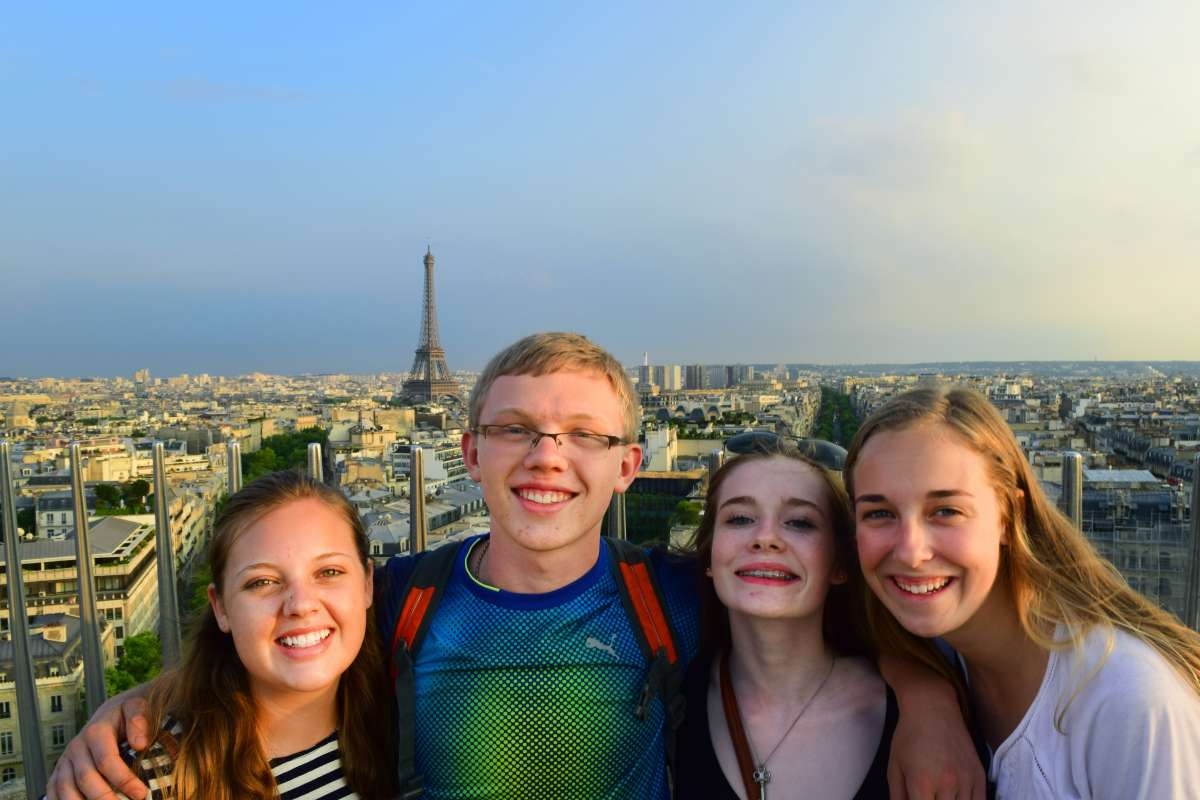 Summer Program - Adventure/Trips | Travel For Teens: Europe for Younger Teens - Bonjour Paris, Cheerio London
