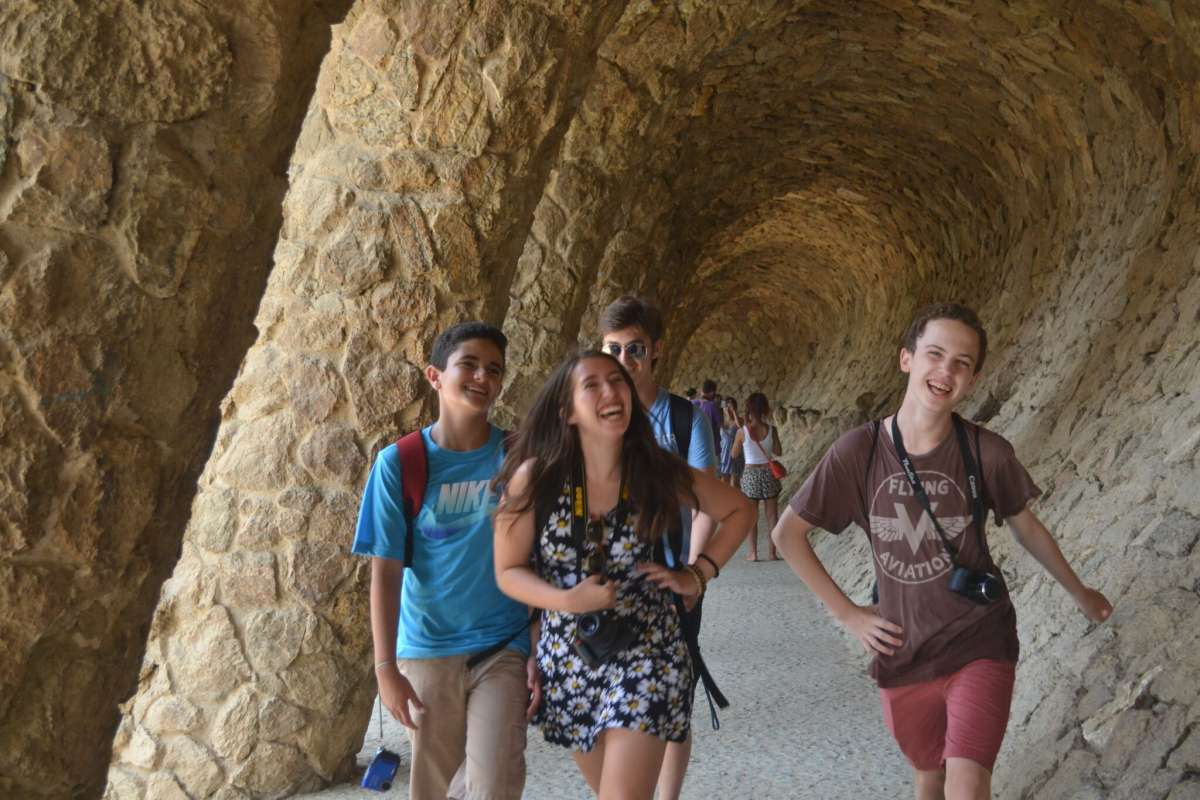 Summer Program - Tours | Travel For Teens: Europe for Younger Teens - Hola Spain