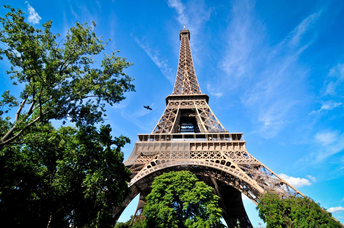 Summer Program - Filmmaking and Digital Media | Travel For Teens: Paris Photography Workshop