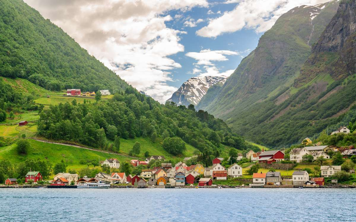 Summer Program - Tours | Travel For Teens: Scandinavian Adventure - Norway, Denmark, Sweden and Finland