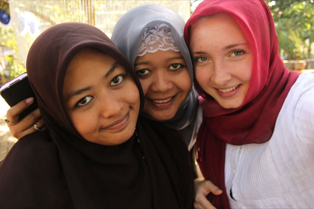 Gap Year Program - United Planet's GAP YEAR or 6-month+ Service Learning in Indonesia  1