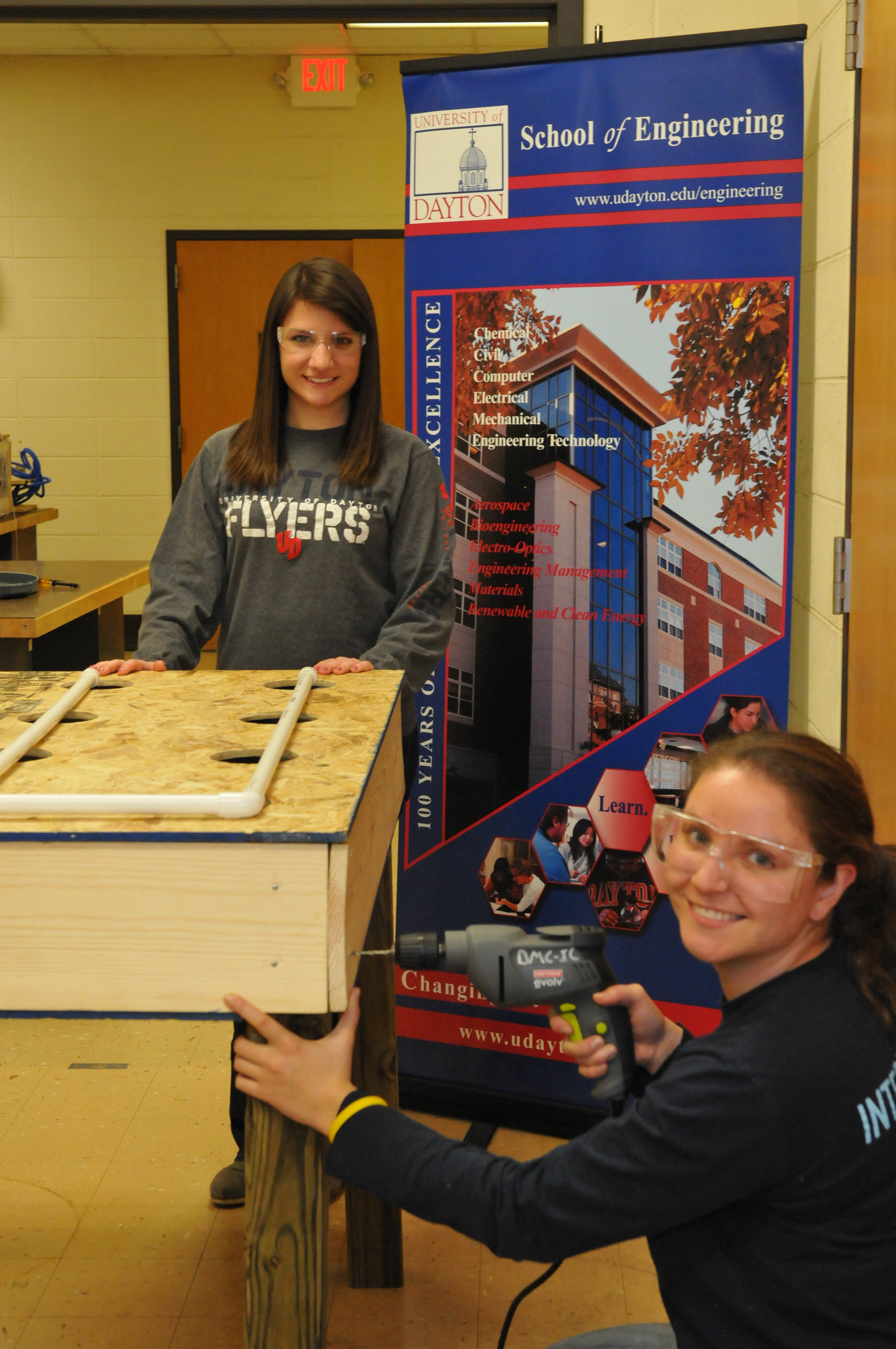 Summer Program - Engineering | University of Dayton: Women in Engineering Summer Camp