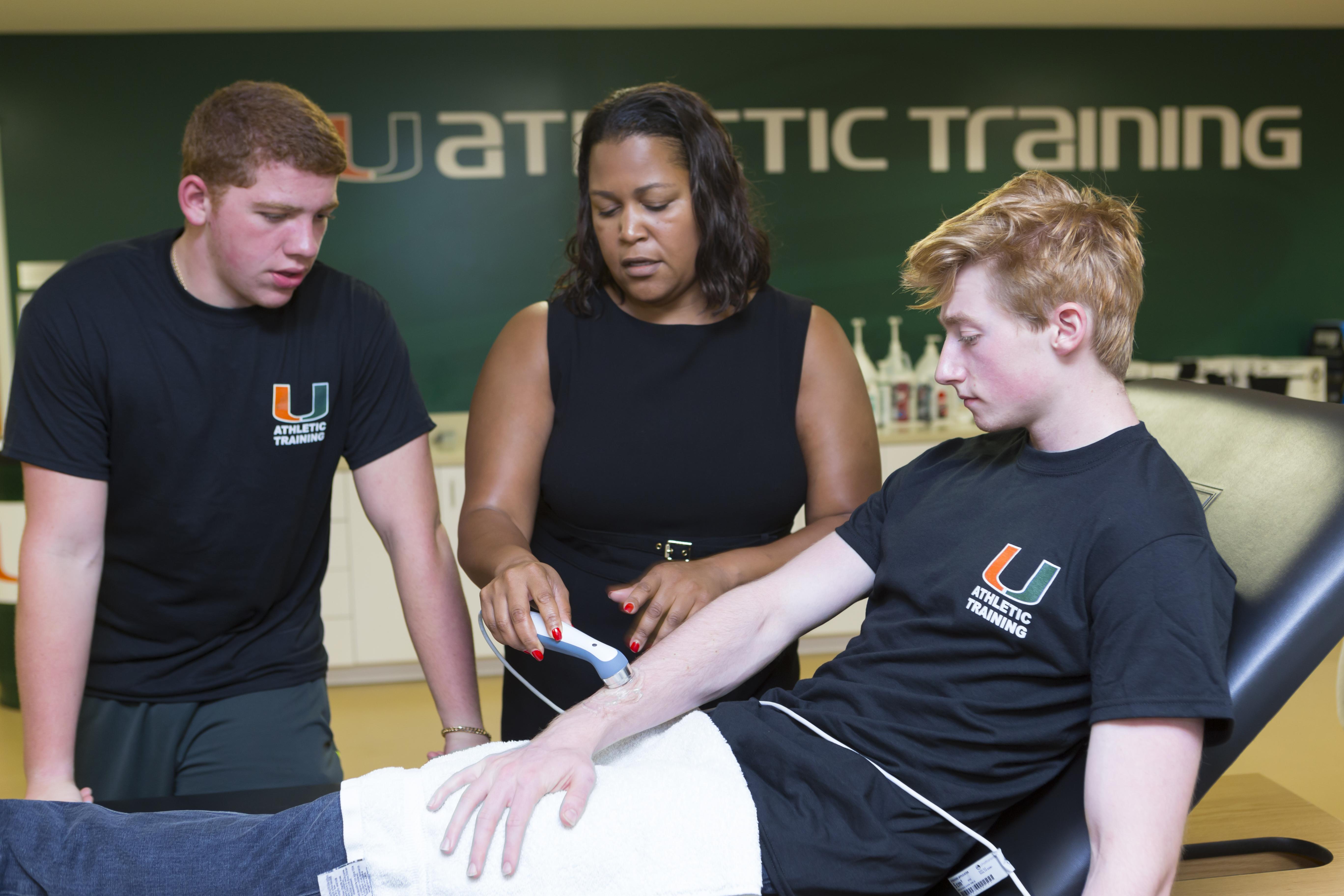 Summer Program - Pre-Med | University of Miami Summer Scholars: Sports Medicine