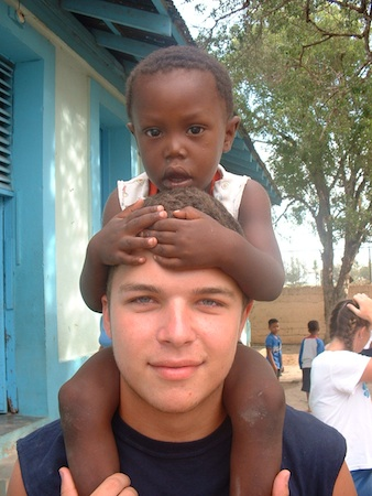 Summer Program - International Relief | VISIONS Dominican Republic High School Service Program