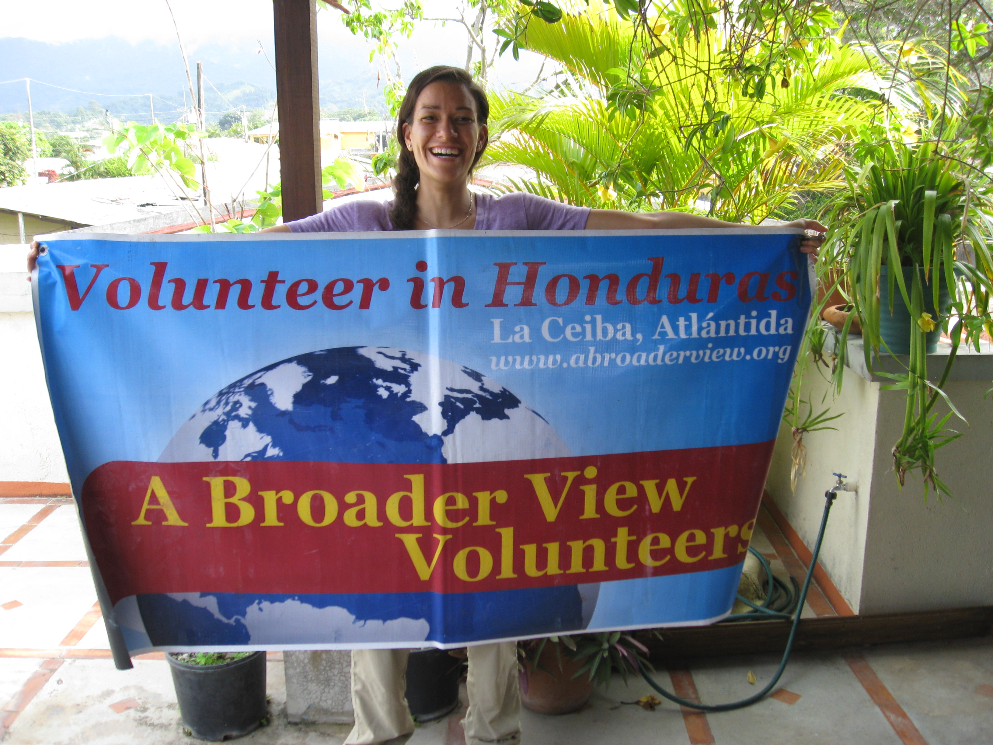 Gap Year Program - Volunteer in HONDURAS - PreMed, PreDental, Orphanage, Teaching and Language Immersion Programs with A Broader View  1