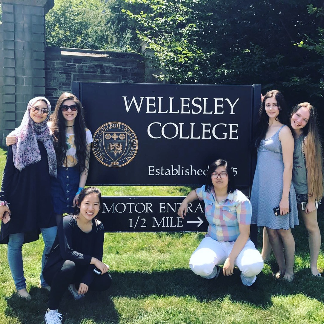 Summer Program - College Credit | Wellesley Pre-College Residential Summer Programs