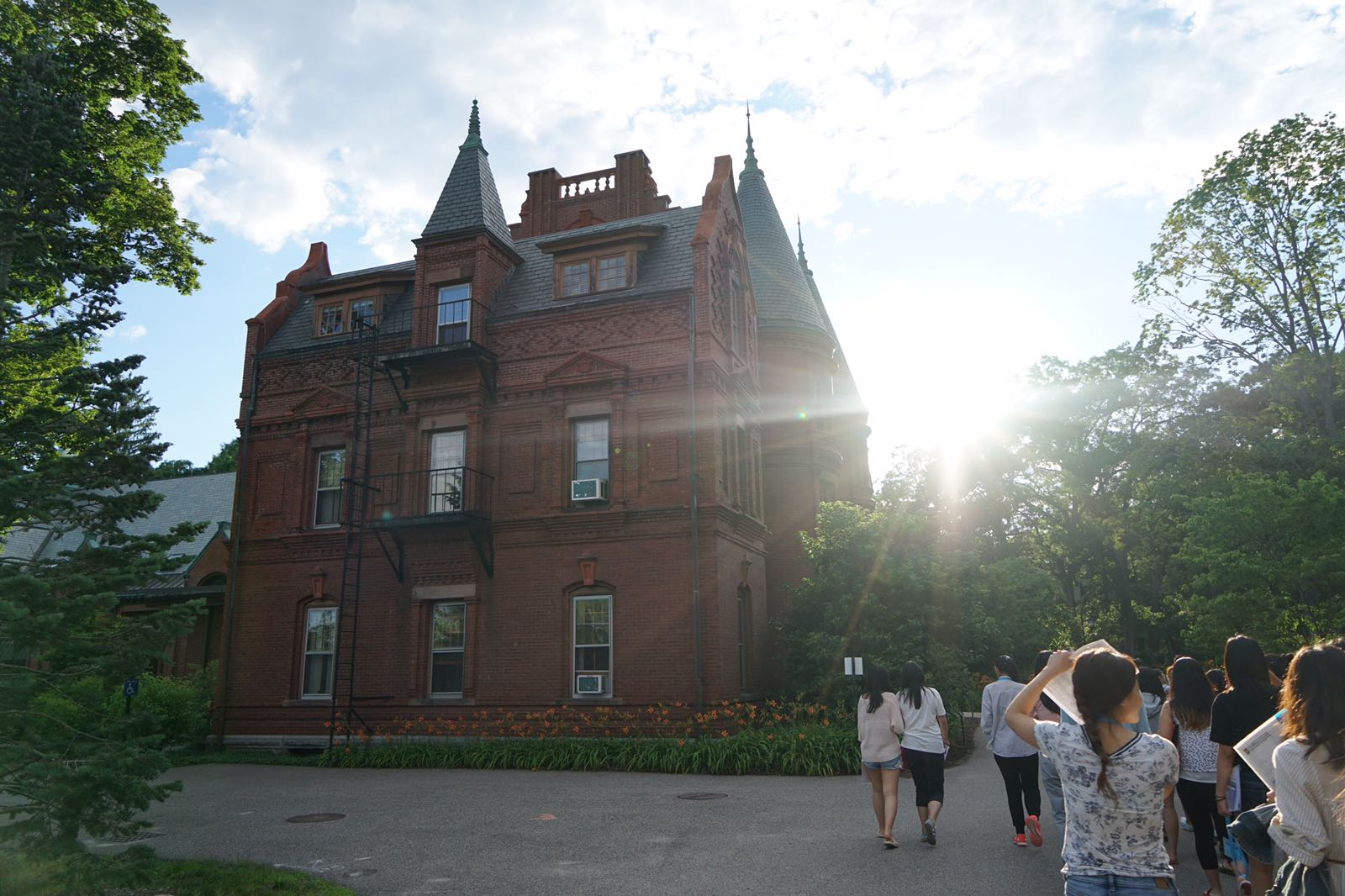 Summer Program - Writing | Wellesley Pre-College Writing Exploratory Workshops