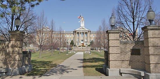 College - Western Illinois University  1